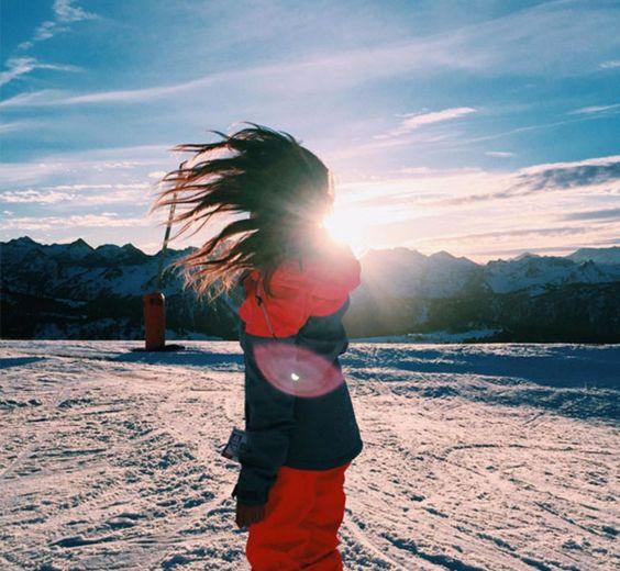 ¡Nos vamos a la nieve! Inspírate con los looks de esquí de nuestras bloggers preferidas  En #Modalia |http://www.modalia.es/bloggers-de-moda/10180-estilismos-nieve-esqui-bloggers-inspiracion.html