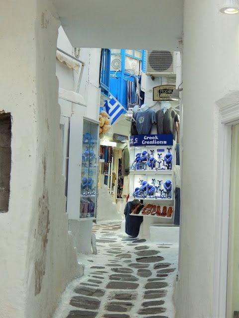>days in mykonos town<