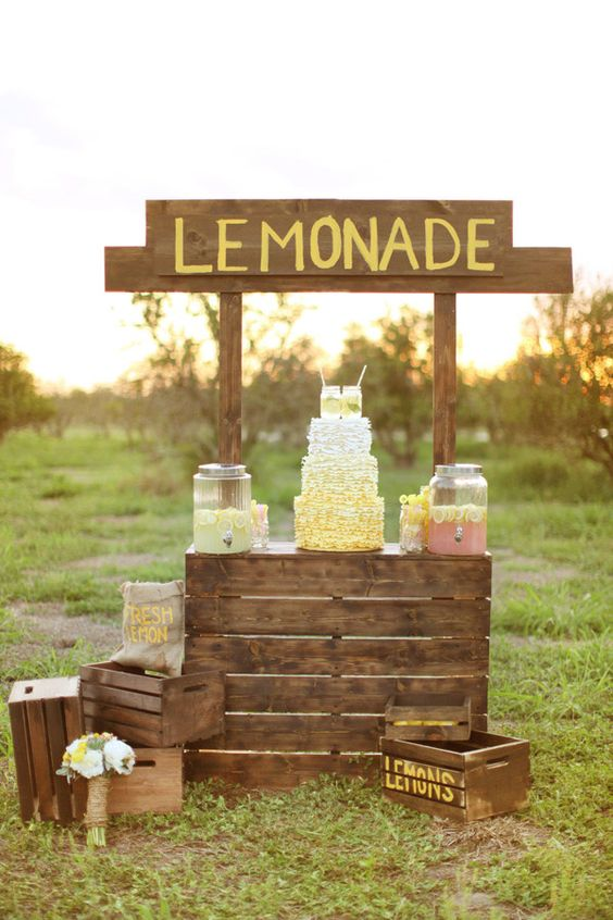 12 Delightful Drink Station Ideas: lemonade is the go-to choice for drink stations, and what better to set up the station than with a classic stand | Photo: Wings of Glory Photography: Lemonade Stands, Ideas Lemonade, Ideas Wedding, Lemonade Bar Wedding, Wedding Ideas, Wedding Lemonade Stand, Pallet Lemonade Stand