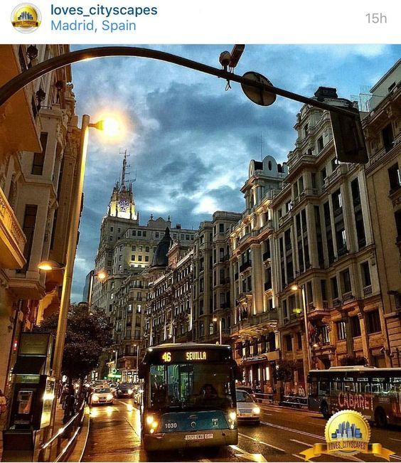 Buenos días!! Muchas gracias a @loves_cityscapes y a su administrador @carlosseville por la mención de ayer de mi foto de la Gran Vía de Madrid. Visitar su magnífica galería. Gracias  by josudelagandara