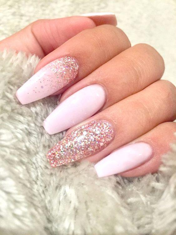 Cute Pink Nails Pink Arcylic Nails Almond Nails Gel Nails Glitter Pink Light Pink Acrylic Nails Nails Design With Rhinestones Pretty Nail Designs Acrylics