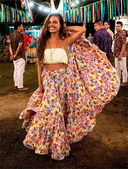 Ritinha com saia carimbó, Força do Querer. Costume Brazilian dance.