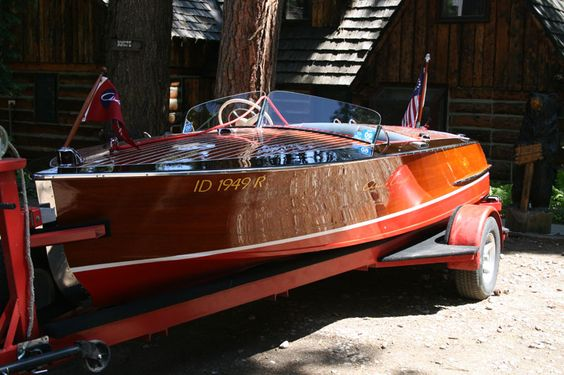 Classic wood boat for sale chris craft racing runabout for Classic chris craft boats