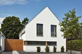 bildergebnis f r haus mit satteldach moderne architektur haus aussen pinterest haus und suche. Black Bedroom Furniture Sets. Home Design Ideas