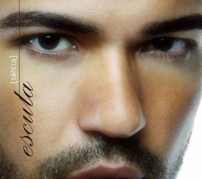 Bem acompanhado, Tárcio lança seu terceiro álbum, ESCUTA -  Postado na data de 22/5/2014