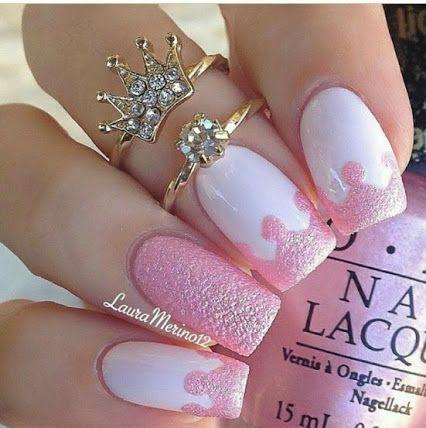 Cute textured nails http://www.nailsdesignstip.com/