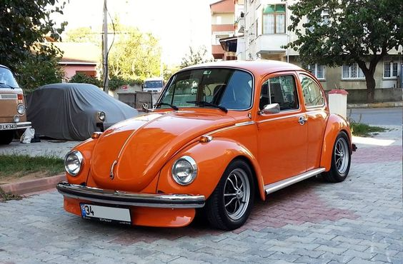 Blue Punch Buggy >> Another lowered orange Super Beetle? What are the odds? #Twins | Punch buggy! | Pinterest ...