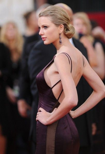 Taylor stuns at the 2013 Golden Globes<3