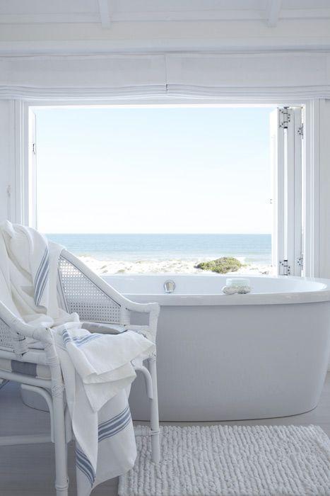 A bath with a sea view... The White House Beach Villa in South Africa