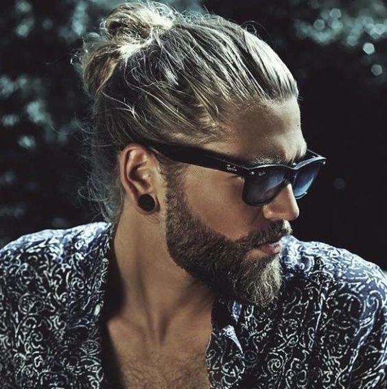 Cortes de pelo para hombre Otoño Invierno 2015-2016 estilo hipster peinado hacia atrás: