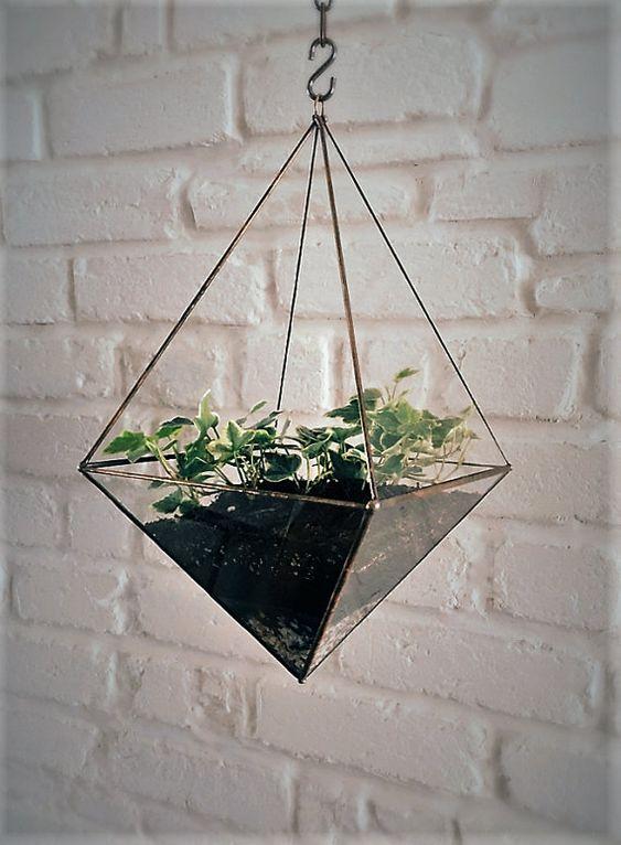 terrarium suspendu facettes en verre octa dre. Black Bedroom Furniture Sets. Home Design Ideas