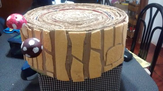 rascador hecho con cartones