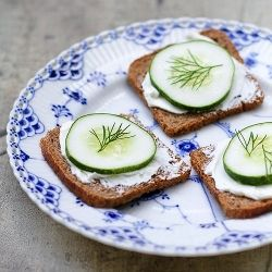 A simple, yet elegant, appetizer: Cucumber Rye Toasts (with dill!)