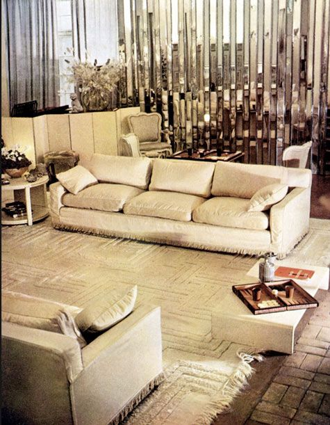 mirror mirror.: White Living Rooms, Drawing Room, Syrie Maugham S, White Rooms, Mirror Wall, Art Deco