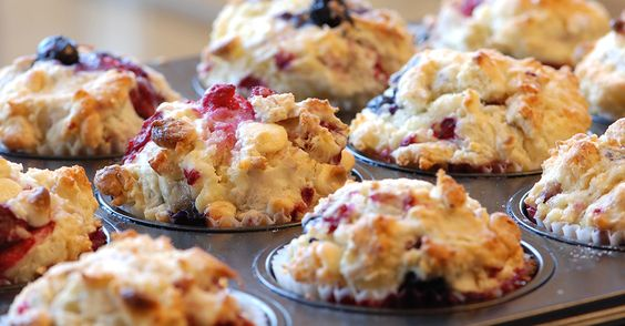 Mixed Berry White Chocolate Muffins 45 MINUTES TO PREPARE, SERVES 12  INGREDIENTS  1 cup whole milk 1/2 cup oil 1 large egg
