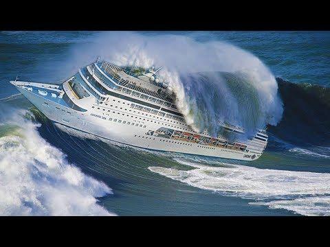 Navios enfrentando Tempestade em alto Mar com ONDAS GIGANTES ...