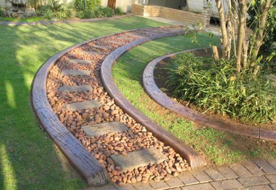 Kwik Kerb By Read Continuous Concrete Edging Kwik Kerb Garden - Design continuous free form concrete landscape edging by kwik kerb