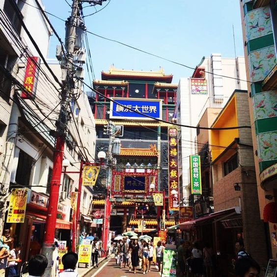 China town at Yokohama おつそう Photo by Noichi san #yokohamachinatown #yokohama #japan #natsu #夏 #あつい #pupuru #yukata #wifirental