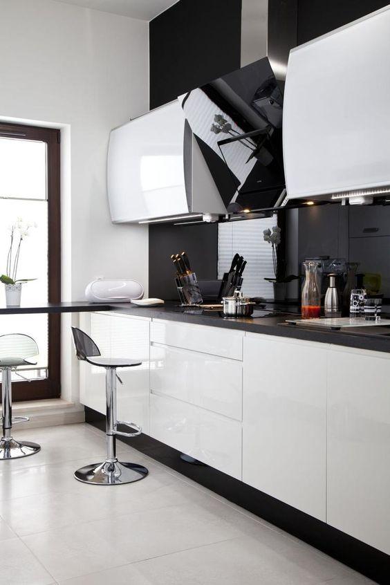 Biała kuchnia nowoczesna aranżacja kuchni  kitchen   -> Kuchnia Bialo Czarna Aranżacje