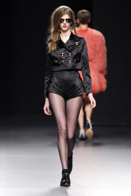 María Escoté Fall 2010 RTW Madrid