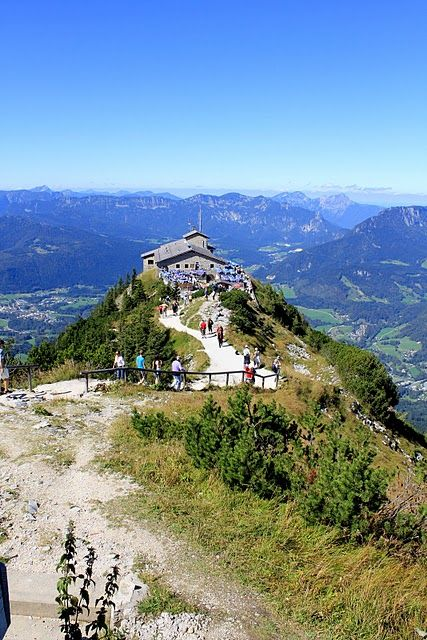 hitler 39 s eagle 39 s nest atop kehlstein mountain in obersalzburg germany spectacular views of. Black Bedroom Furniture Sets. Home Design Ideas