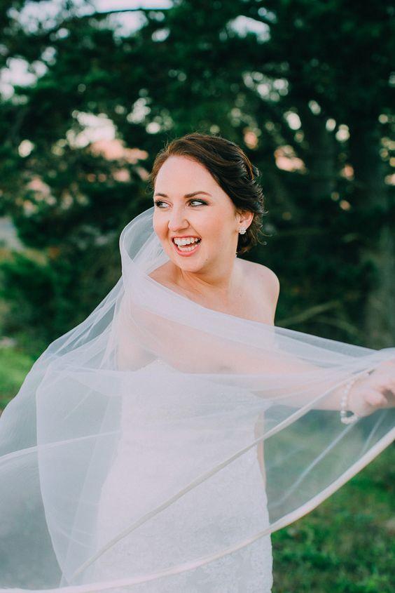 Beautiful spontaneous bridal portrait ideas