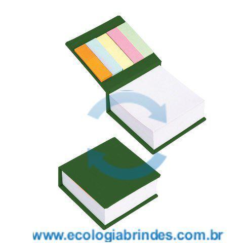 Bloco Papel Reciclado eco 034 VE. Bloco de Anotações Verde, com capa dura em papel reciclado e 5 cores autocolantes. Contém: 250 folhas; Dimensões do Bloco: 9 x 9 x 3 cm; Gravação: Incluso 01 cor na parte superior do Bloco. Cores adicionais, favor consultar.