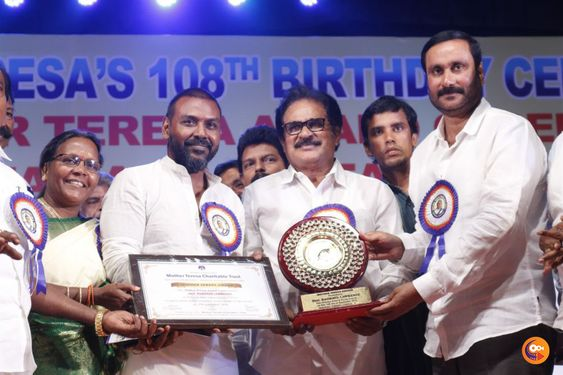 Raghava Laurens Received Mother Teresa Award