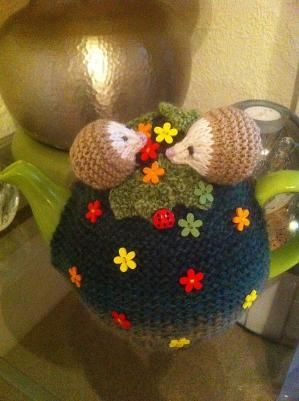 Ravelry: ElizabethLihou's Little hedgehog tea cosies by penny: