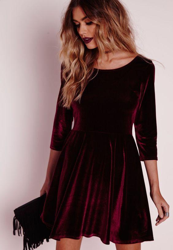 Vestido de veludo rodado, cor vinho
