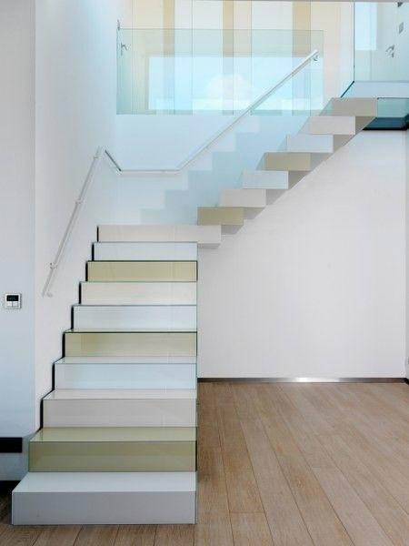 ... witte en beige tinten). Zeer mooi in combinatie met de houten vloer en
