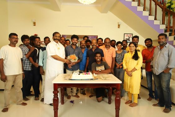 Actor Vimal Birthday Celebration At Ivanukku Engeyo Macham Irukku Movie Shooting Spot