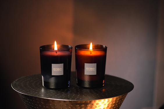 Les bougies parfumées Estéban pour une déco chic & moderne mais également vintage & trendy. Une cire 100% végétale et un format 100% rechargeable pour une ambiance parfumée sans fin. *Estéban scented candles - 100% refillable - 100% vegetal wax*