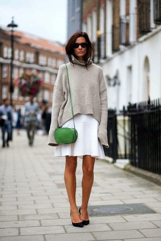 7 Looks That Have Us Crushing On Green Bags | WhoWhatWear: