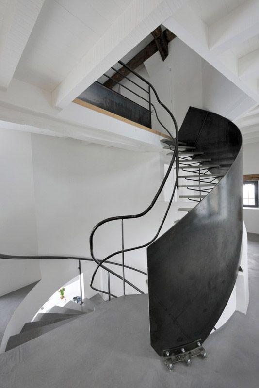 """Atelier Made Création Béton - escalier, Escalier """"TWISTER"""" à Grenoble"""