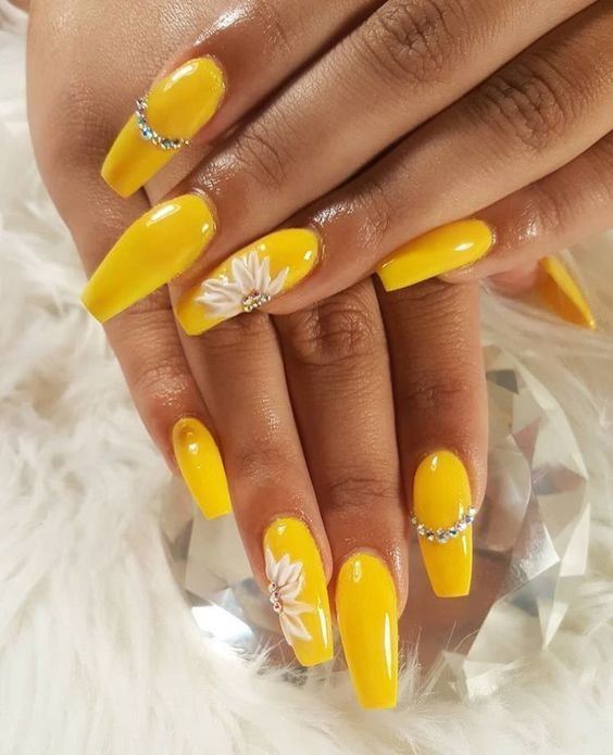 70 Attractive Acrylic Coffin Nails To Try This Fall Koees Blog Yellow Nails Yellow Nails Design Acrylic Nails Coffin