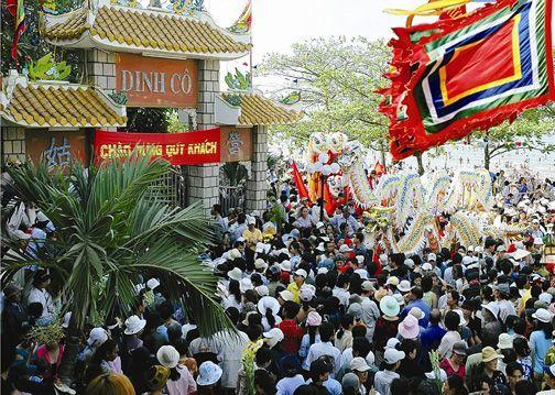 Lễ hội Nghinh Cô Long Hải - Lễ hội lớn tháng 2 Âm lịch