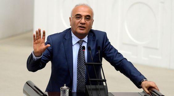 64. Hükümette Ekonomi Bakanlığı yapan Mustafa Elitaş'ın kendi hazırlattığı biyografisidir. Resmi kaynaktan alınmıştır.