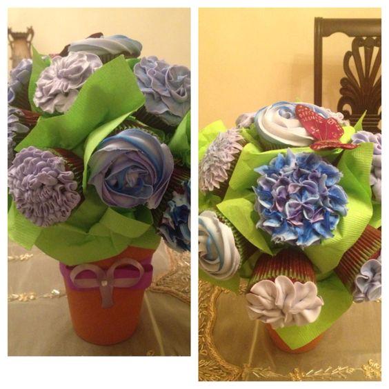 Cupcakes floral arrangement