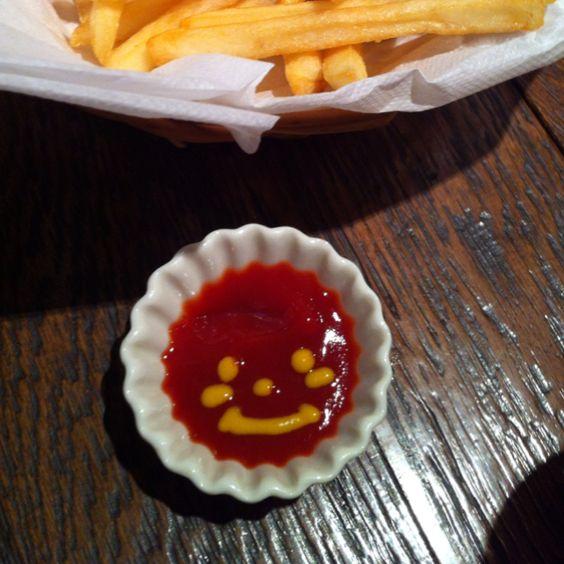 lovely ketchup( •ॢ◡-ॢ)-♡