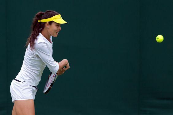 Ana Ivanovic prepares to smack a backhand - Jay Dykes/AELTC