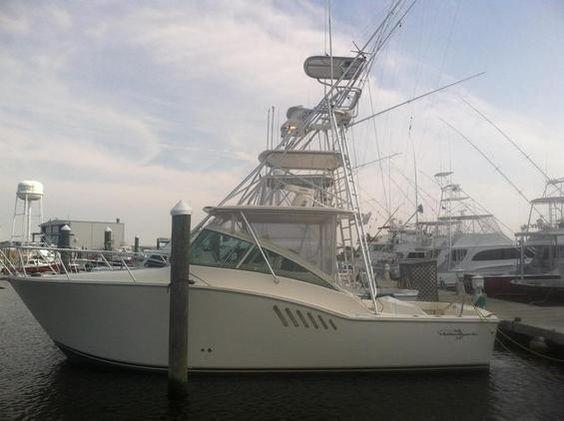 Express - Albemarle 330  Fisherman