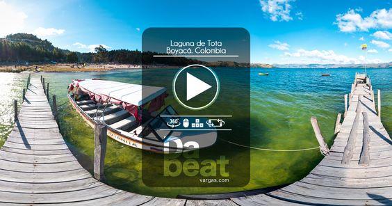 Llamada el Mar del Centro la laguna de Tota es uno de los destinos turísticos preferidos de Boyacá, es una de los lagos mas altos del planeta, situado a  3.015 metros de altura, al fondo se puede observar playa Blanca ubica al costado sur del lago.