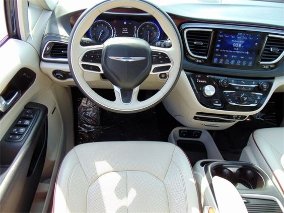 2017 Chrysler Pacifica Limited 32 000 Chrysler Pacifica