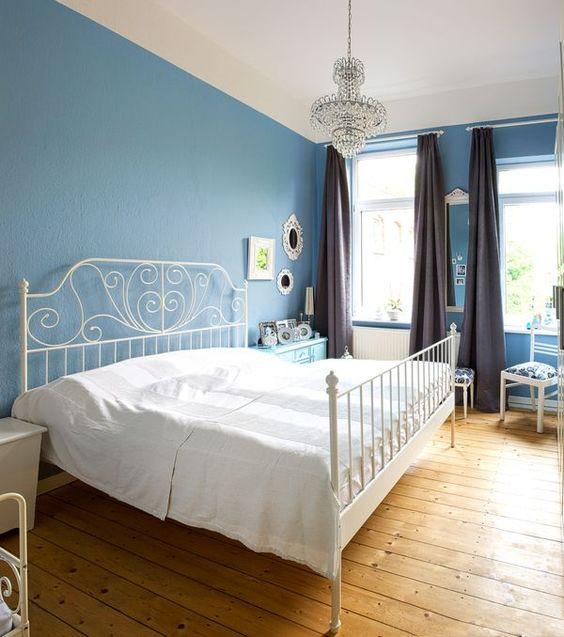 Schlafzimmer#blau#kronleuchter#ikea#weiß#vintage ...