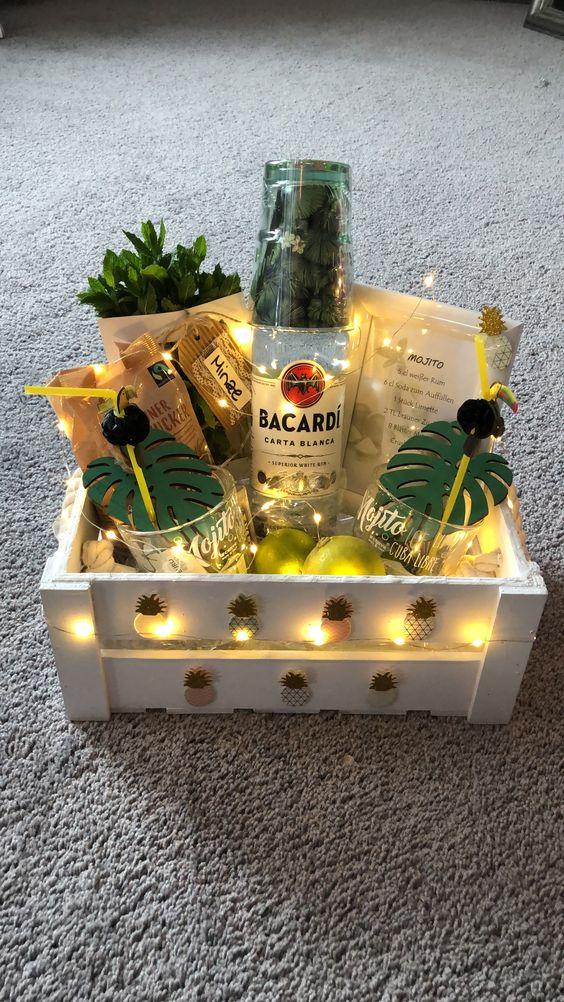 caja regalos sorpresa color amarillo