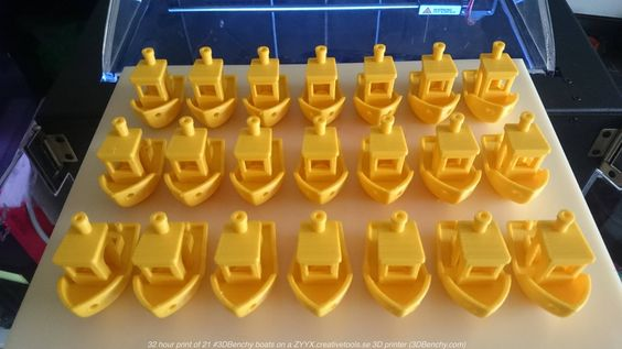 21 #3DBenchy boat 3D-printed on ZYYX 3D printer plate in one go v01 | by #3DBenchy