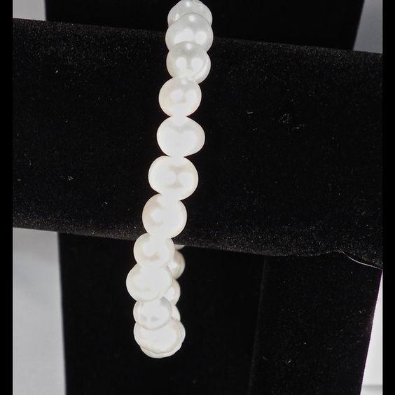 Fresh Water Pearl Stretch Bracelet 7 to 9 mm Fresh Water Pearl Stretch Bracelet Jewelry Bracelets