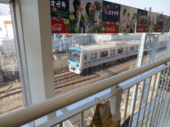 @cherub_chiki この町を電車が走っていた②オオゼキ下北沢店のエスカレーターから #シモチカ... on Twitpic