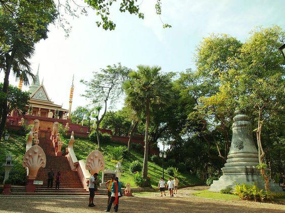 Đây cũng là ngôi chùa cao nhất thủ đô Phnom Pênh